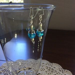 Handmade 💙 Beaded Beautiful Dangle Earrings.